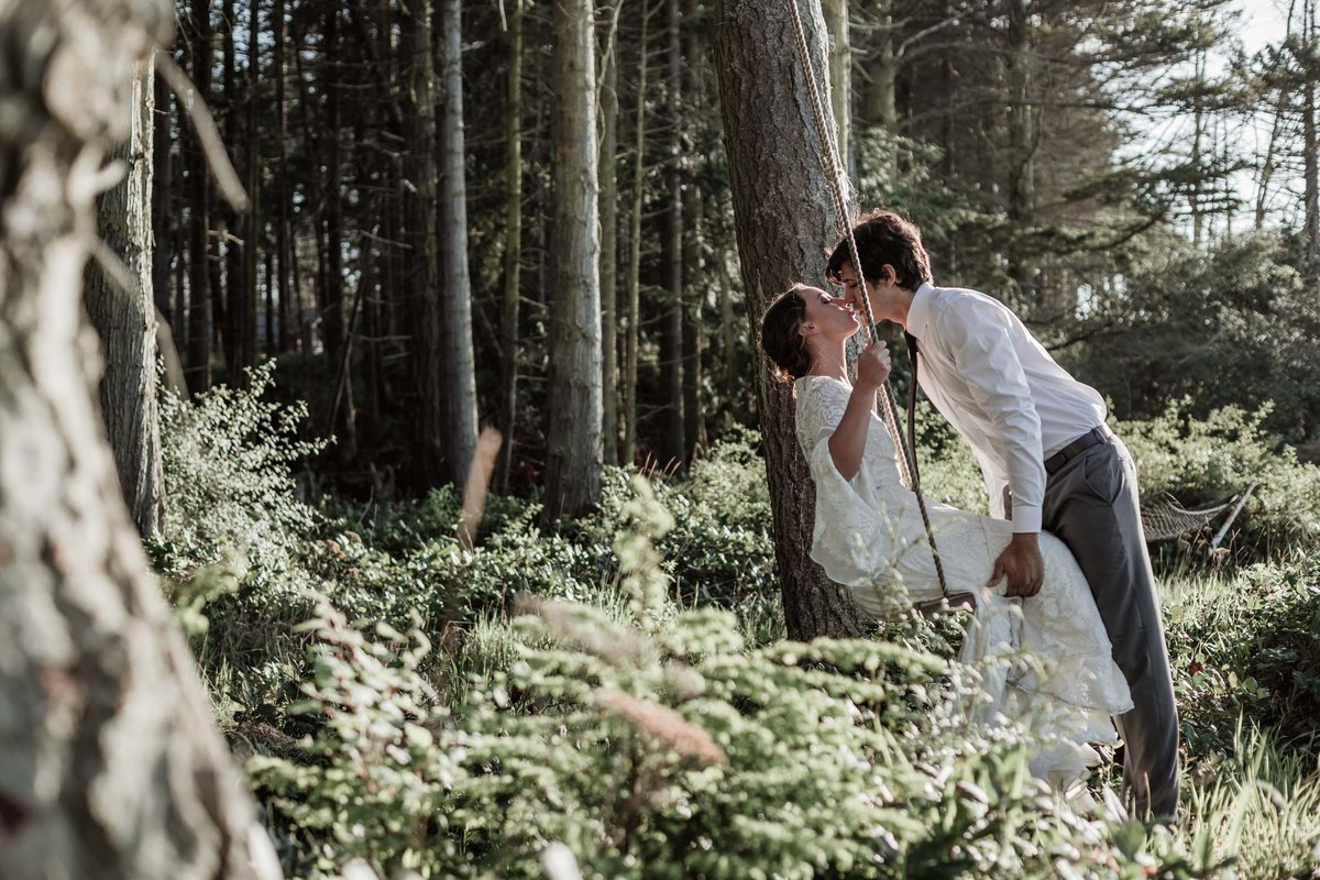 Pacific Northwest Outdoor Wedding photographer Adventure Elopement wedding photographer