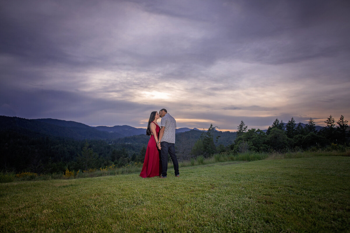 -Humboldt-County-Engagement-Photographer-Redway-Photographer-Parky's Pics-sunset-river-engagement-11
