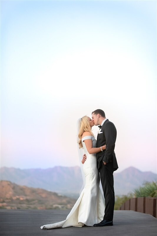 sanctuary-camelback-resort-wedding-bride-and-groom-kissing-1