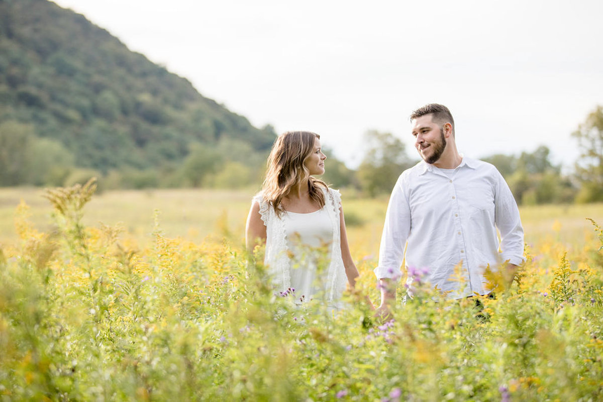 Rachel-Elise-Photography-Syracuse-New-York-Engagement-Shoot-Labrador-Hallow-16