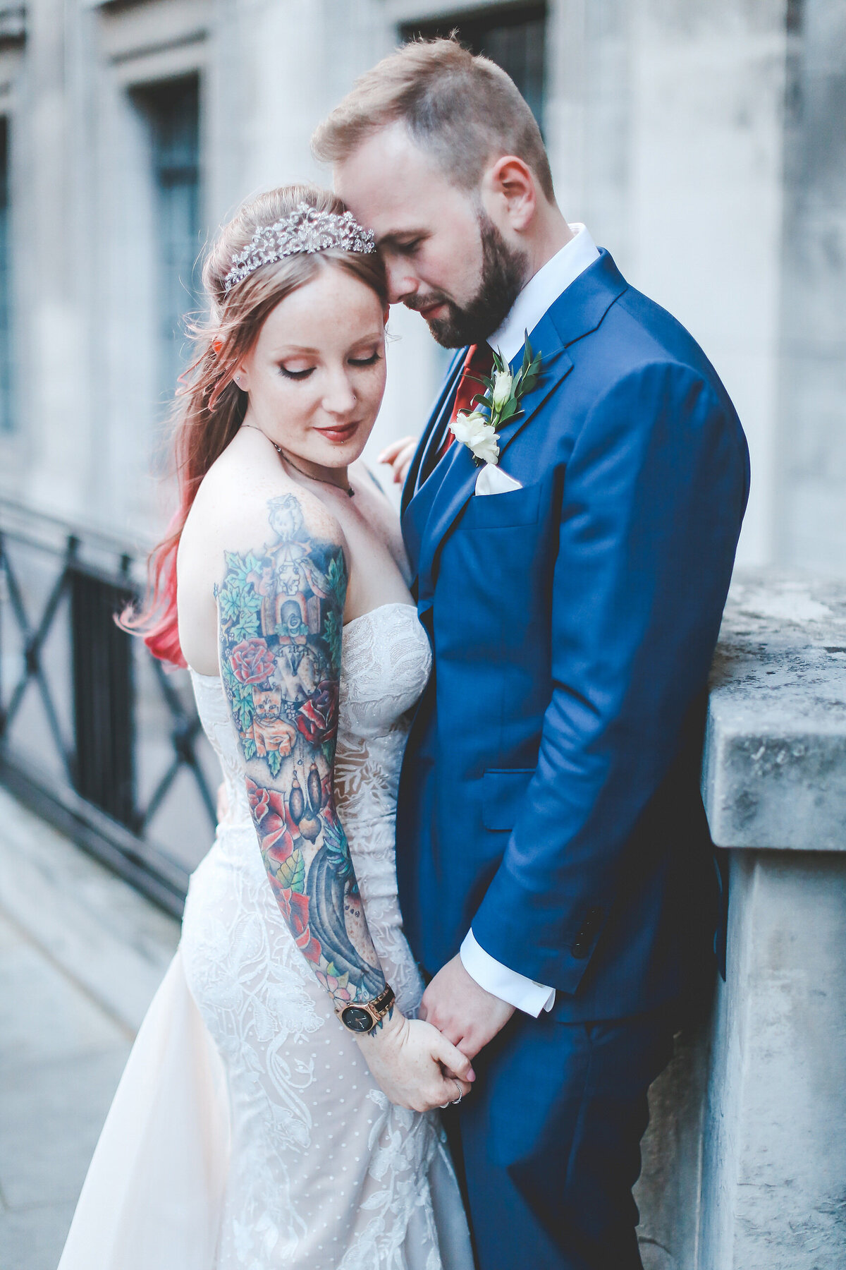 THE-YACHT-LONDON-WEDDING-BOAT-WINDY-TATOO-BRIDE-0080