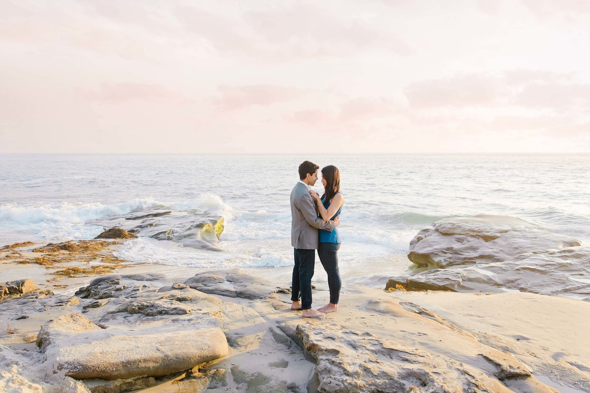 Babsie-Ly-Photography-Surprise-Proposal-Engagement-in-San-Diego-La-Jolla-Sunset-dreamy-beach-water-view-015