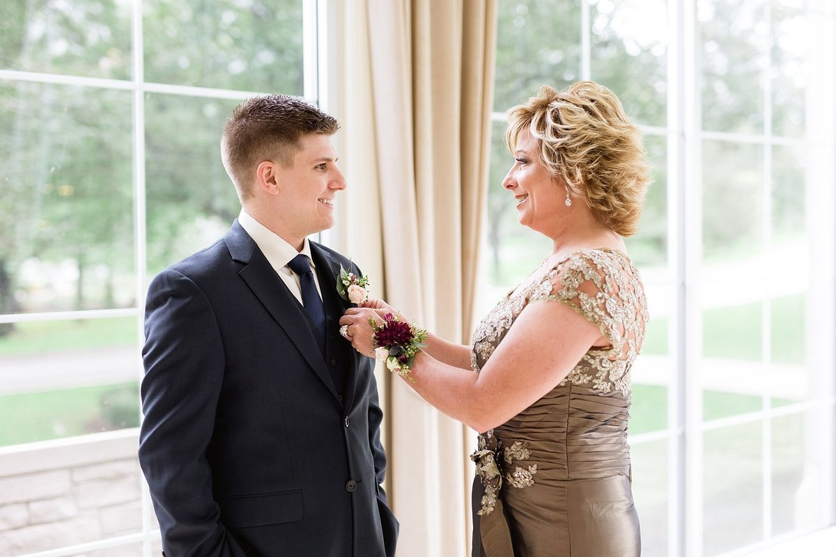 Jordan-Ben-Pine-Knob-Mansion-Clarkston-Michigan-Wedding-Breanne-Rochelle-Photography34