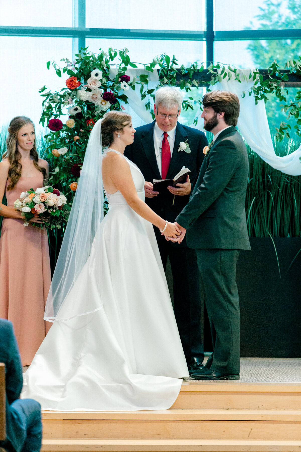 Kaylee & Michael's Wedding at Watermark Community Church | Dallas Wedding Photographer | Sami Kathryn Photography-113