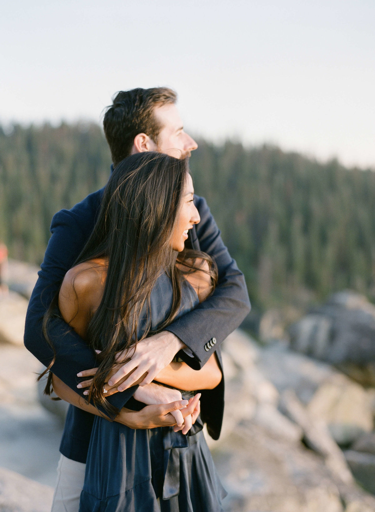 79-KTMerry-destination-engagement-Yosemite-mountain-top