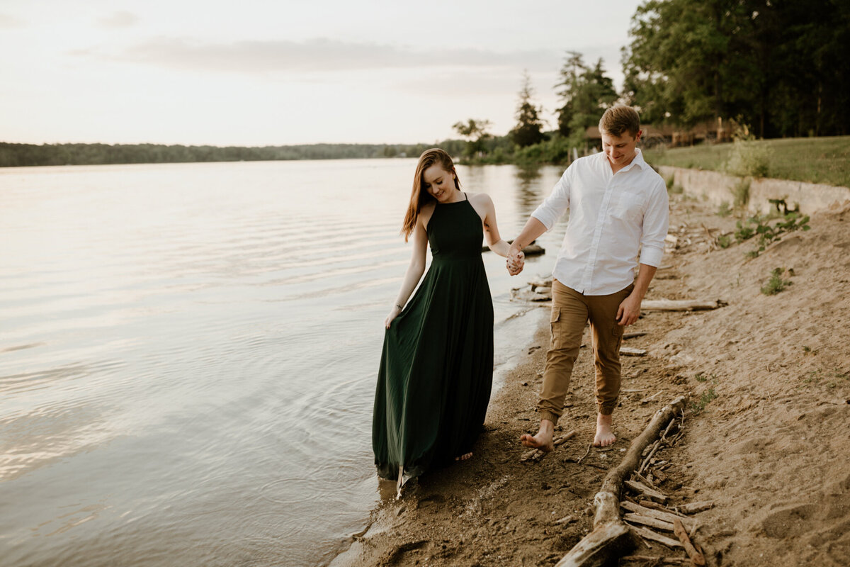 meg-thompson-photography-indianapolis-eagle-creek-engagement-session-mikayla-gannon-19