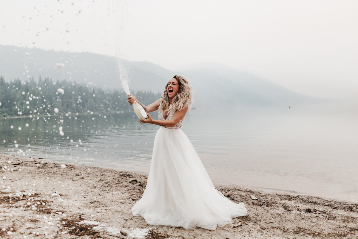 athena-and-camron-sara-truvelle-bridal-wenatchee-elopement-intimate-30-champagne-pop-bride
