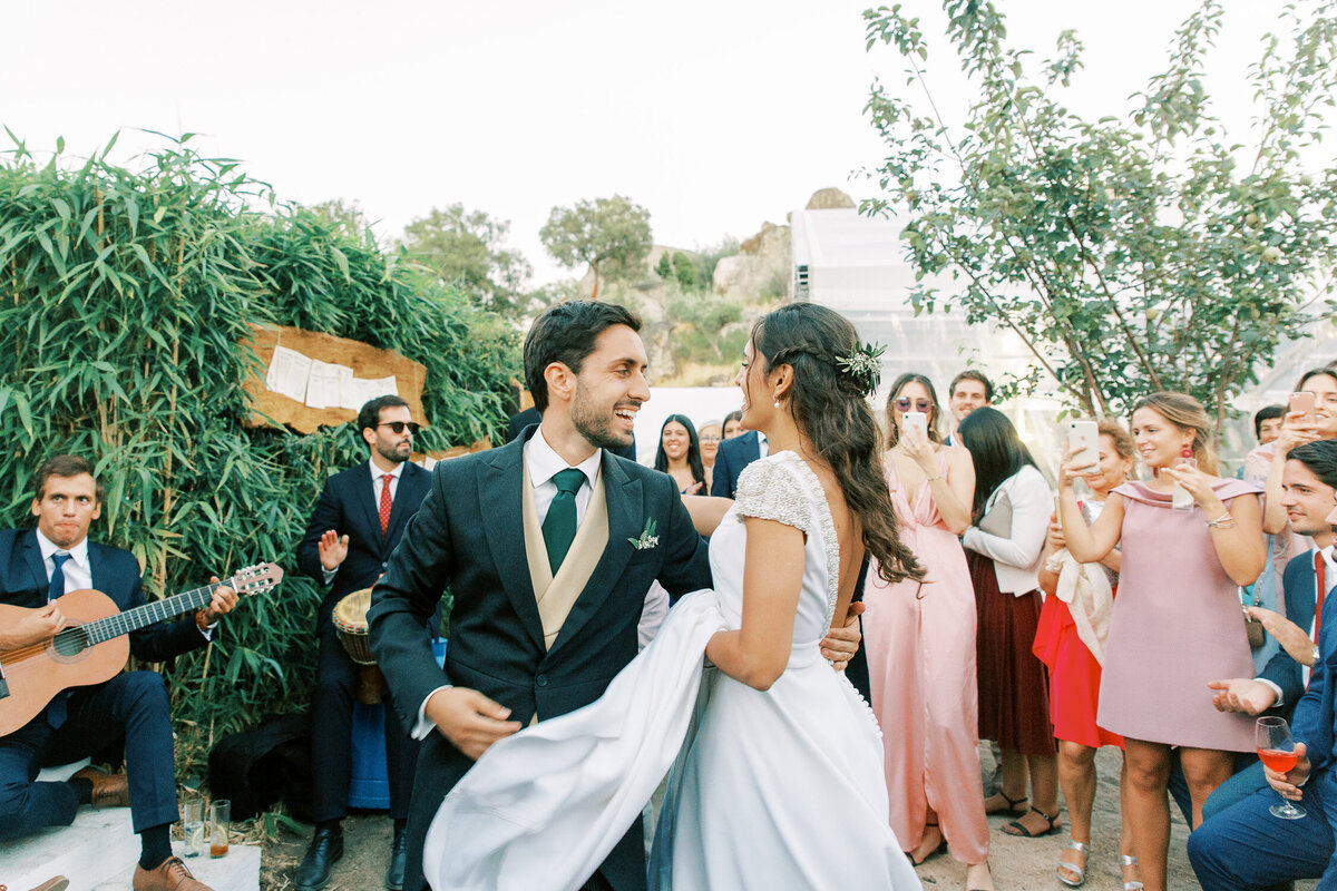 wedding_with_a_vintage_car_in_marvão-26