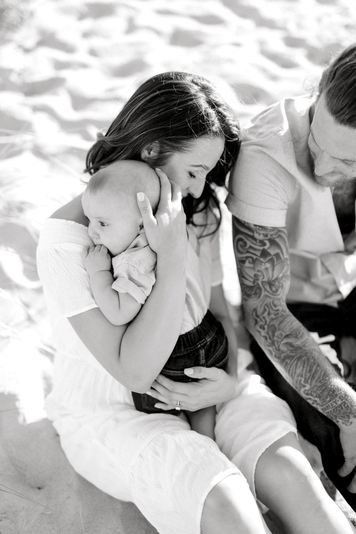 crane-beach-family-session-boston-lifestyle-newborn-photographer-photo_0023