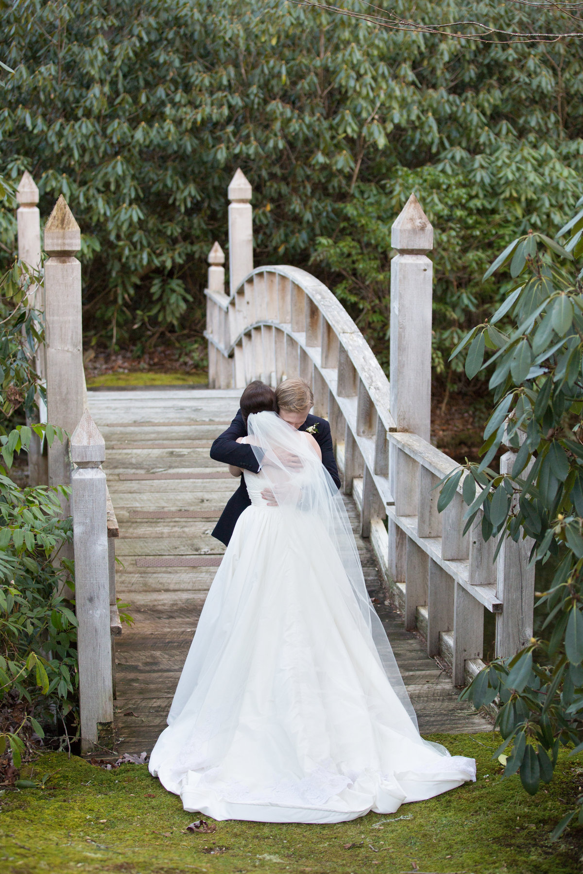 0020_Old-Edwards-Inn-Highlands-NC-Winter-Wedding