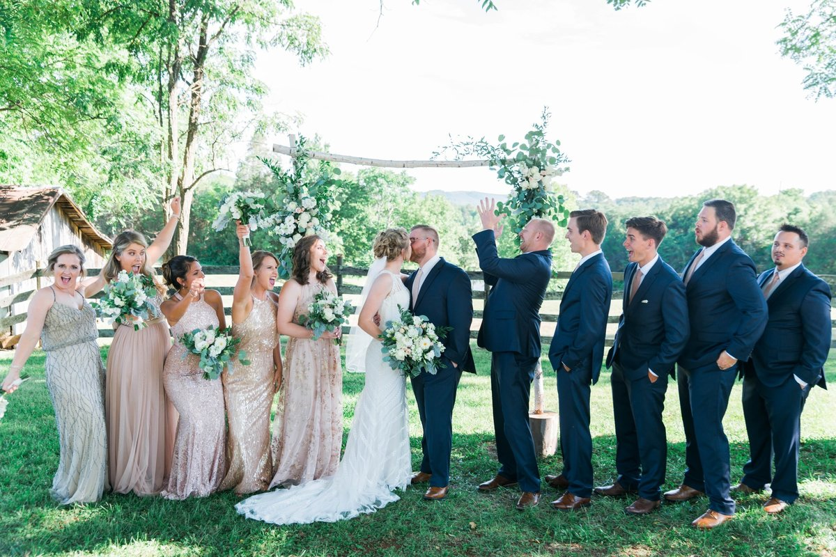 SorellaFarms_VirginiaWeddingPhotographer_BarnWedding_Lynchburgweddingphotographer_DanielleTyler+3(2)