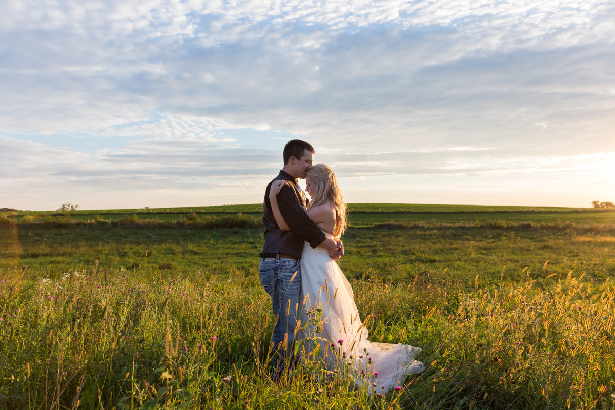 golden hour leads to a sunset photo opportunity at every wedding at barns of old glory