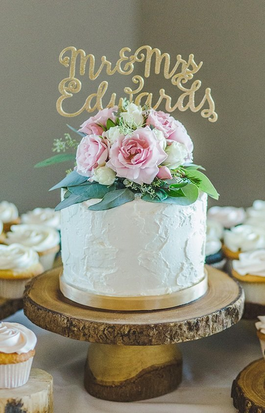 Whippt Desserts and Catering Stucco buttercream texture cake