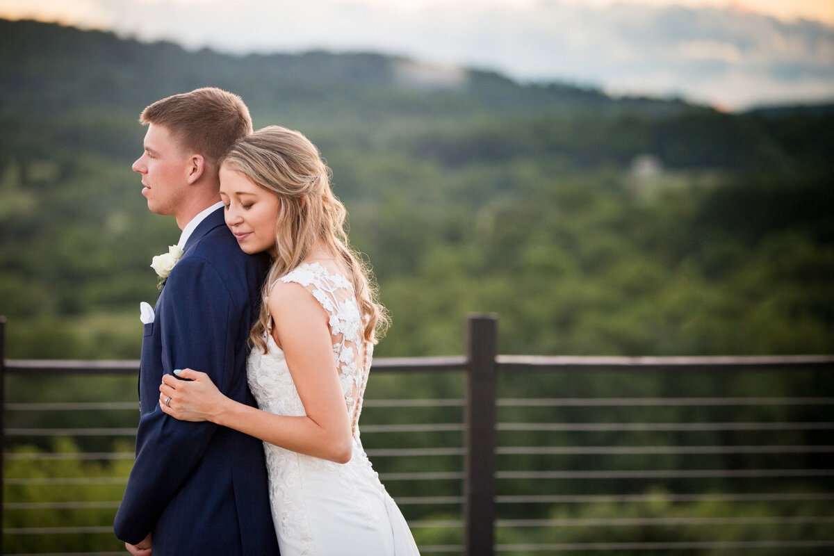blue valley vineyard wedding photos
