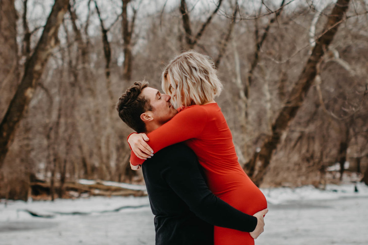 fullersburg-woods-winter-shoot-hinsdale-il-couple-engagement-chicago-100