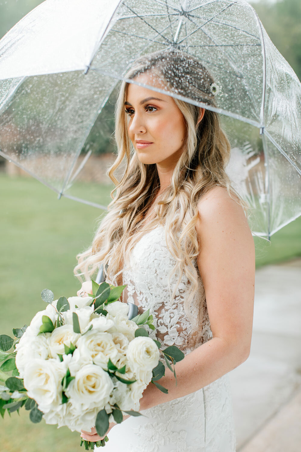 rainy wedding day bride with clear umbrella pretty rain photos
