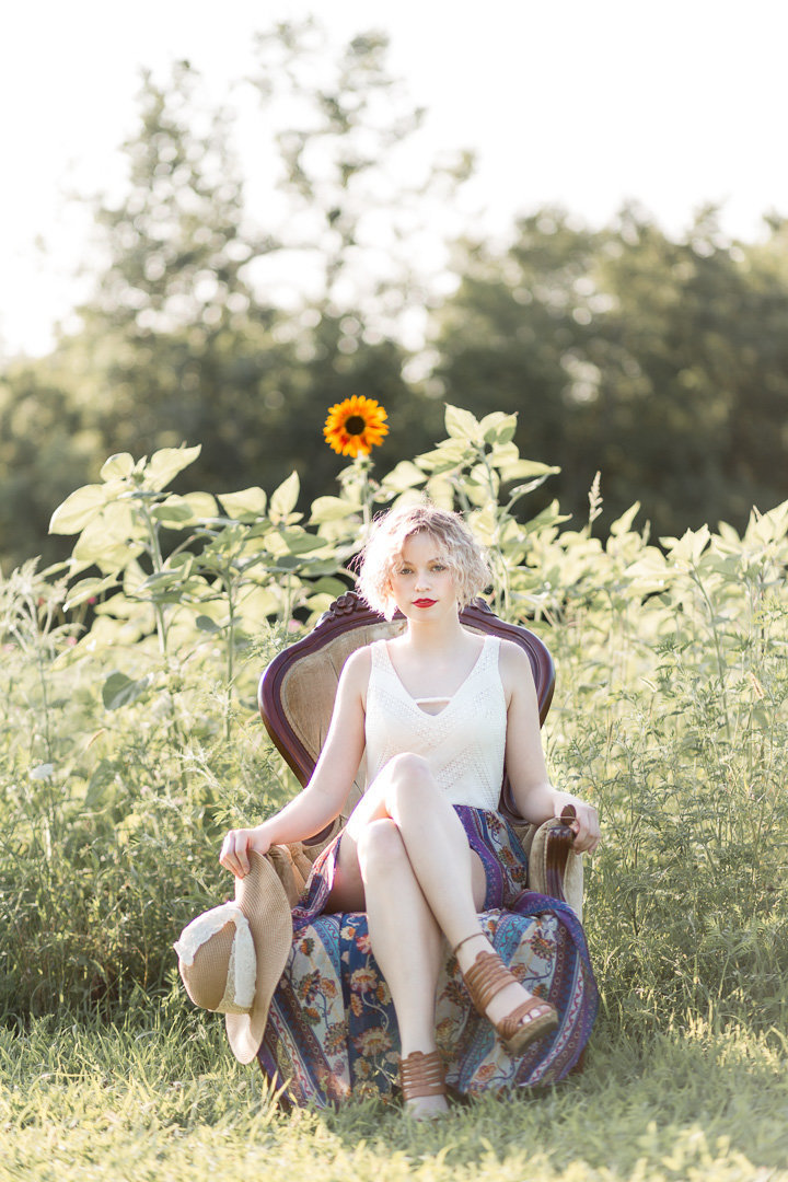 Senior Session in the Sunflower Field0009