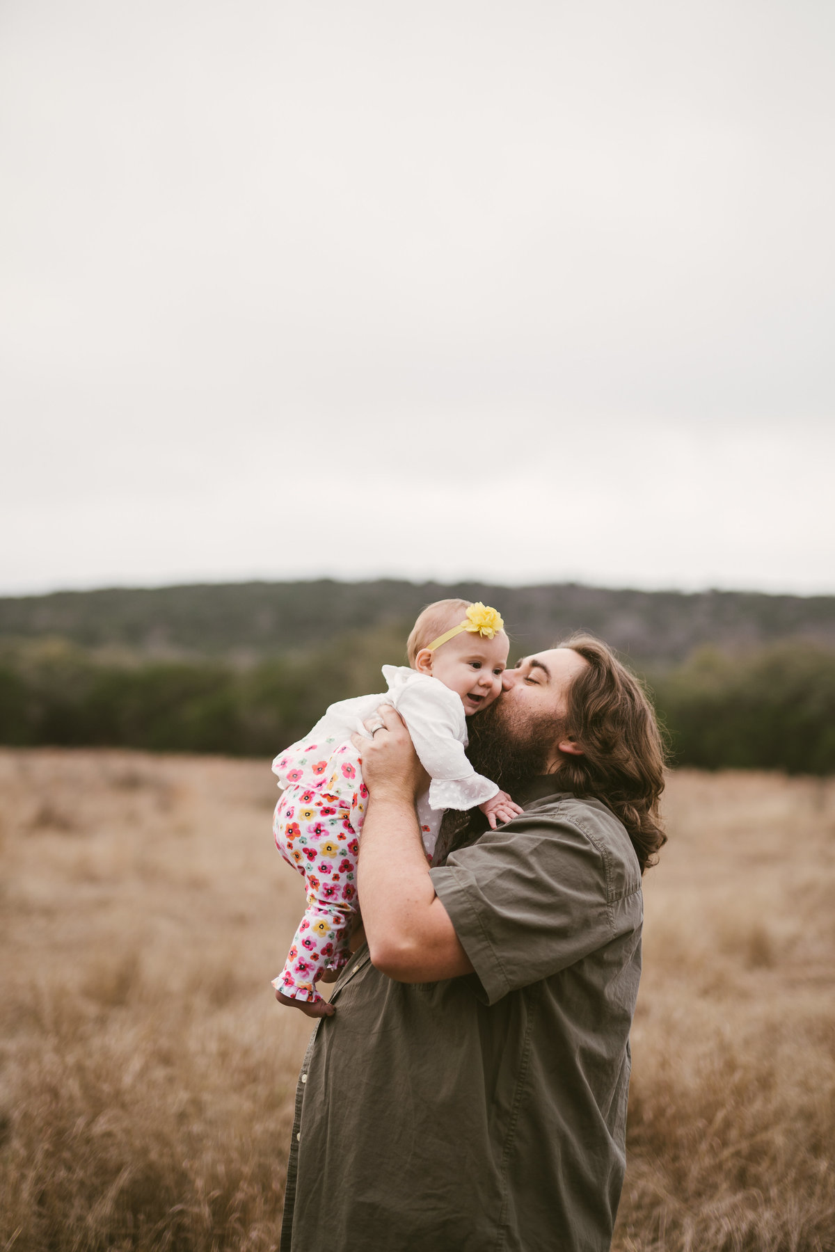 daddy and daughter family portrait session by San Antonio Photographer Expose The Heart Photography