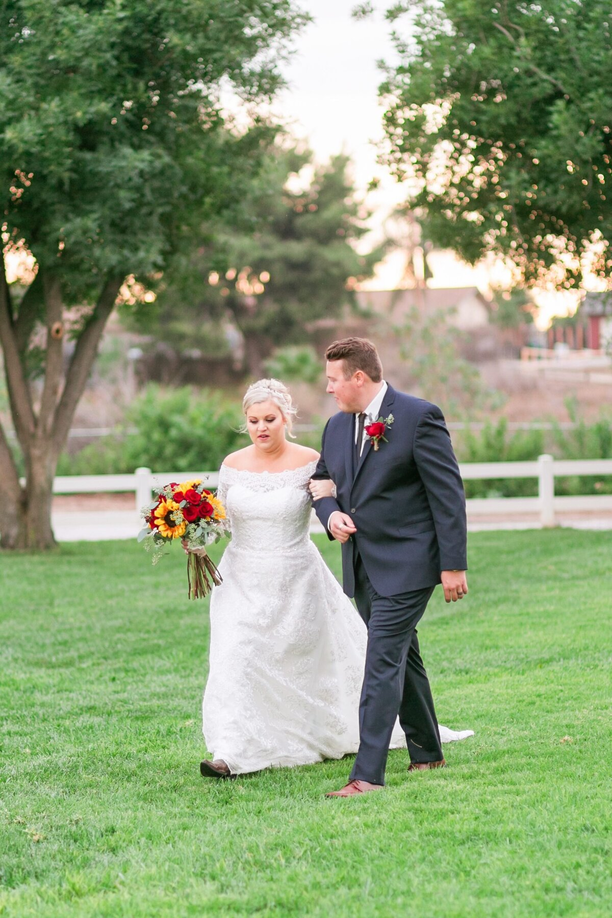 Kelli-Bee-Photography-Gallery-Farm-Southern-CA-Norco-Rustic-Wedding-Luxury-Lifestyle-Photographer-Lauren-Ben-0050