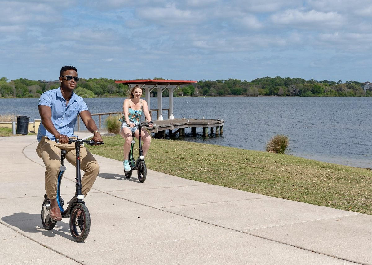 Students riding there Go-Bike Q1 from the lake