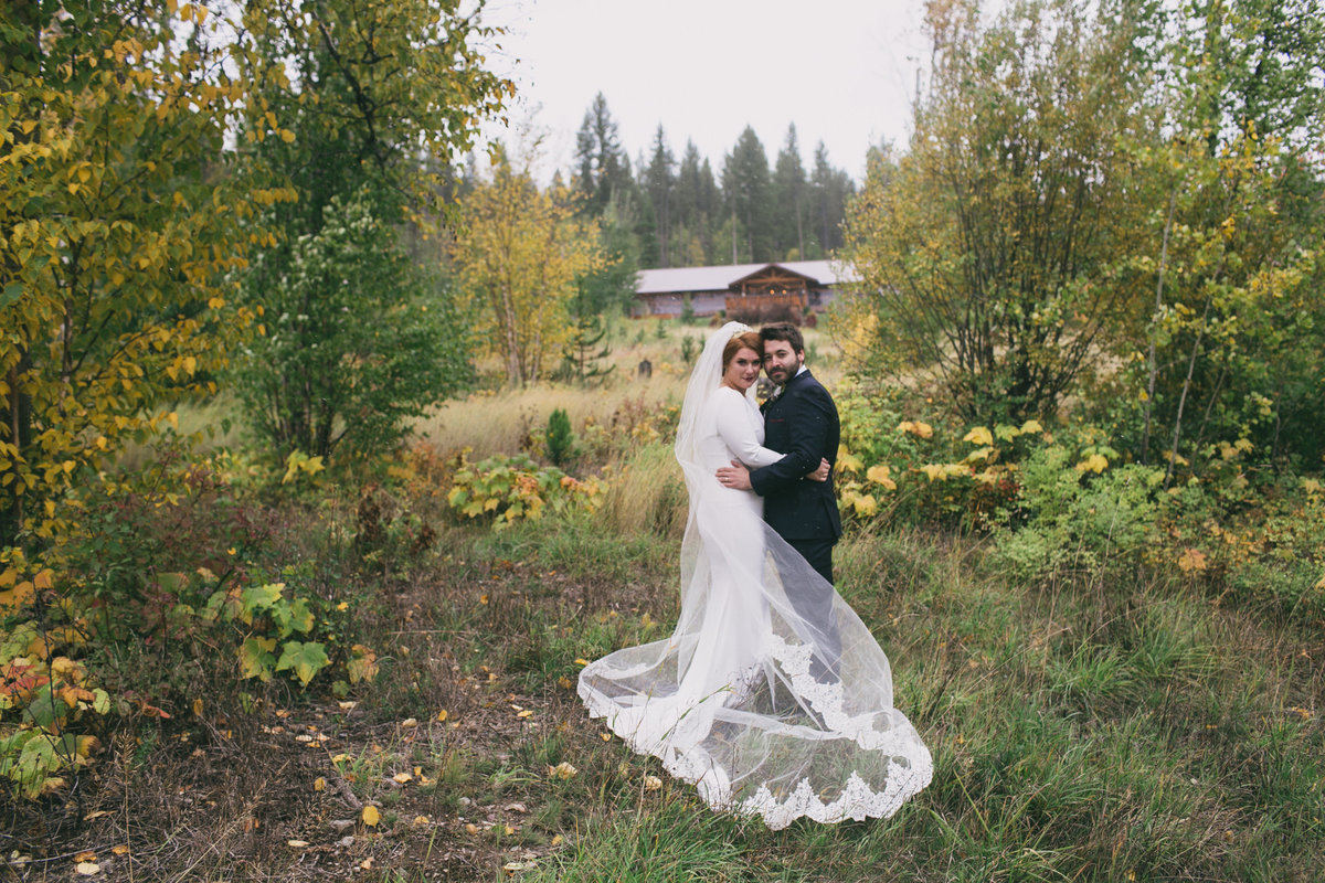 Jennifer_Mooney_Photography_Abbey_Stephen_Fall_Winter_Glacier_Park_Elopement-74