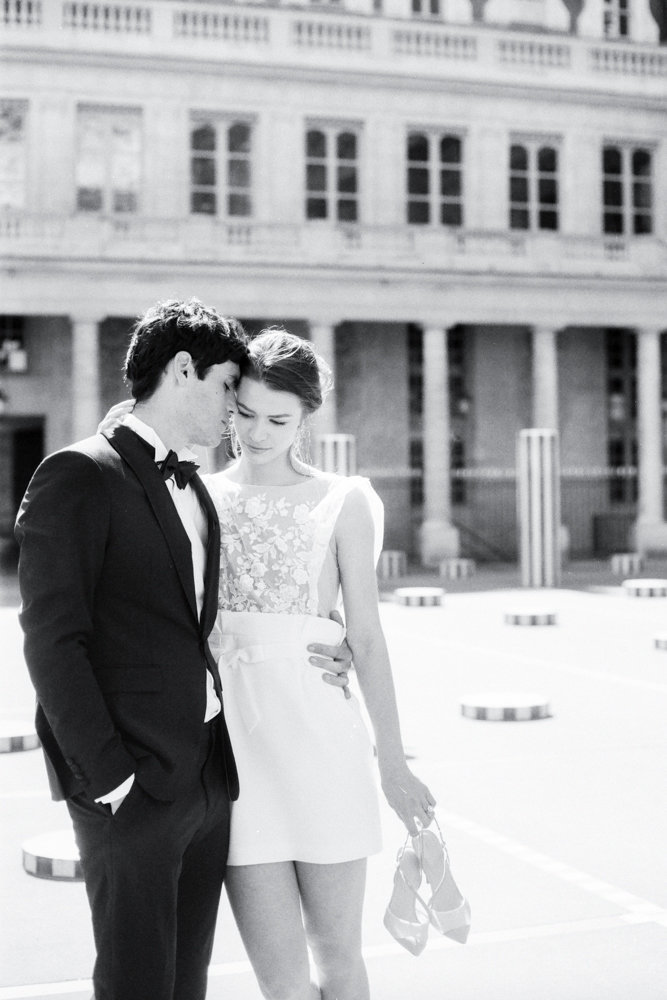 Paris_engagement_photos_palais_royal_gabriella_vanstern_ (10)
