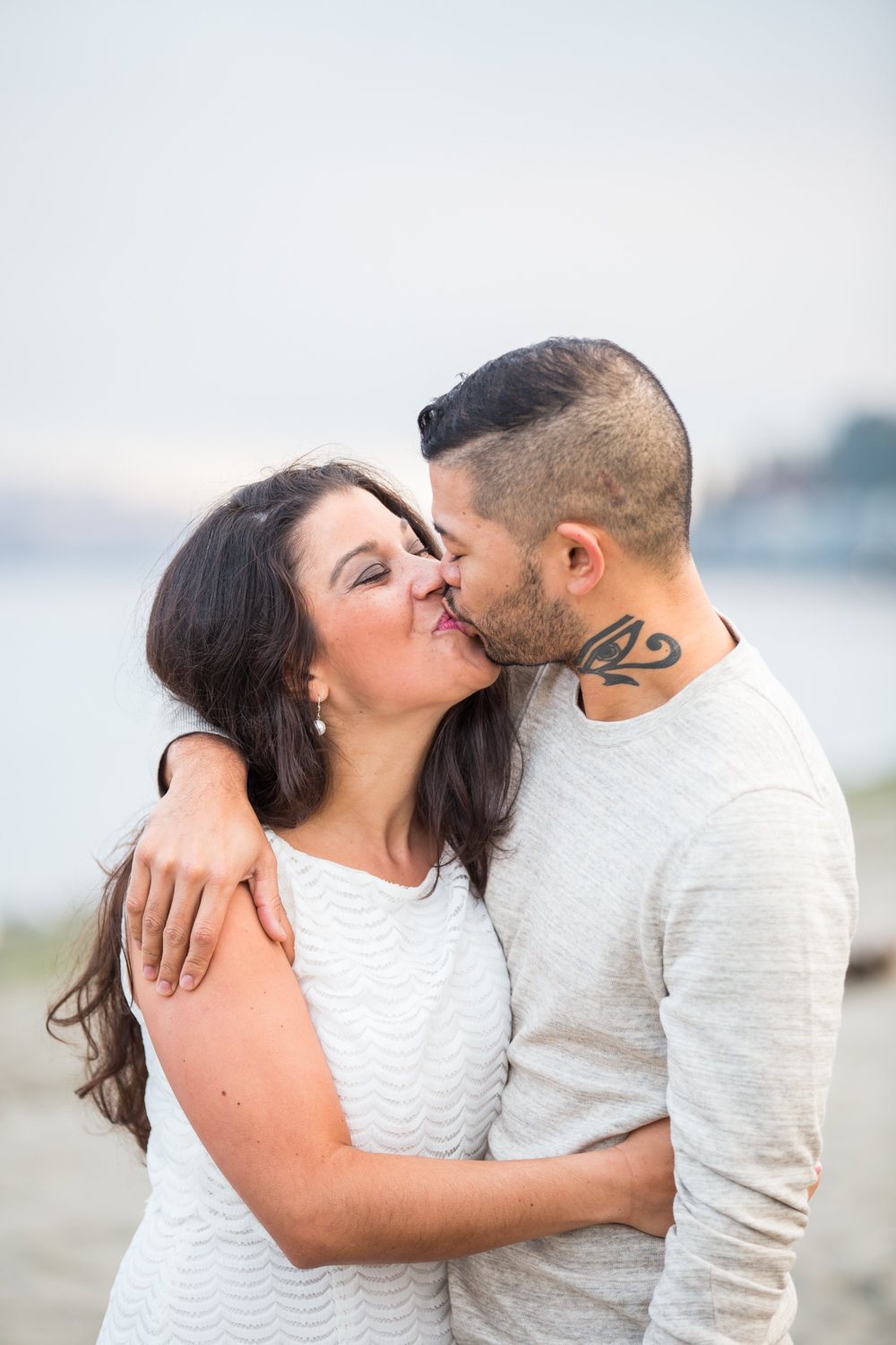 Alki-Beach-West-Seattle-engagement (2)
