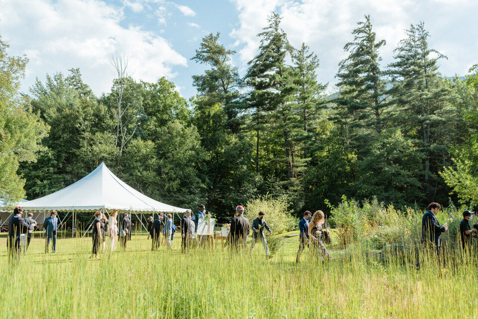Catskills-Wedding-Planner-Foxfire-Mountain-House-Wedding-Canvas-Weddings-wedding-guests-to-ceremony