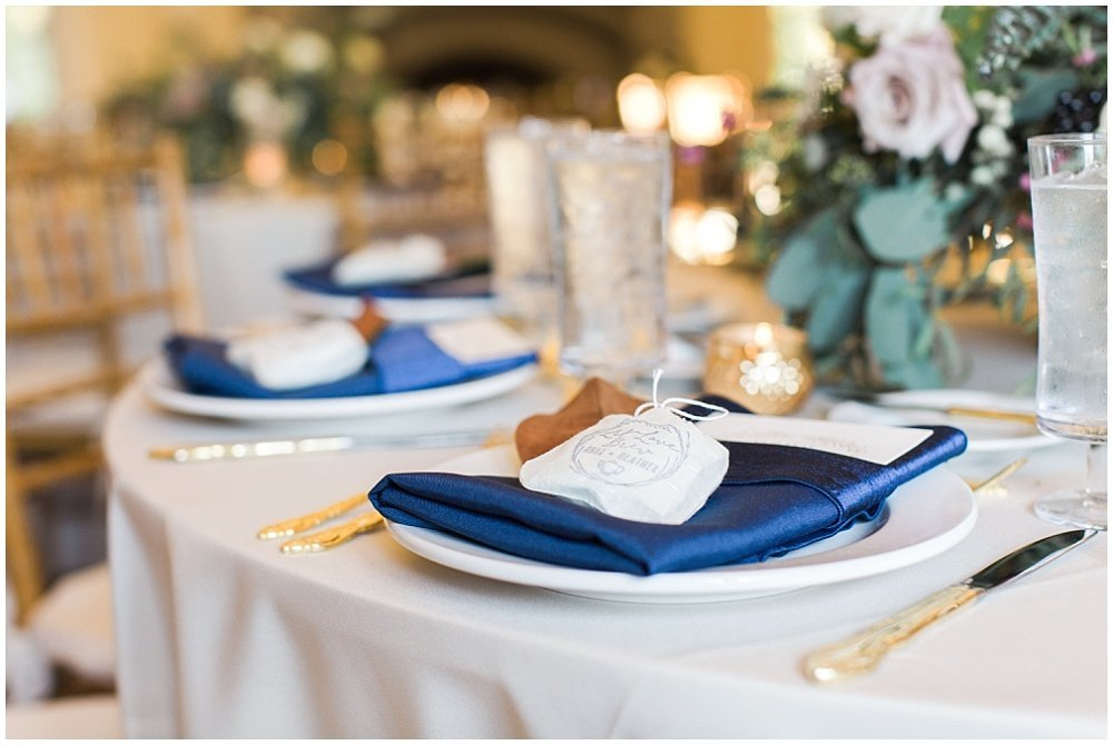 Laurel-Hall-Fall-Navy-Wedding-Ivan-Louise-Images-Jessica-Dum-Wedding-Coordination_photo_0030