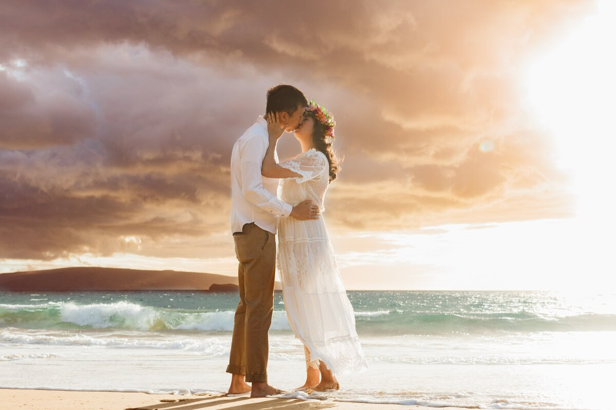 Destination Engagement photography at Poolenalena Beach  Hawaii  Moorea Thill Photography Maui
