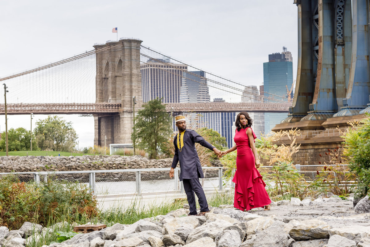 Brooklyn_Bridge_New_York_Engagement_Session_Amy_Anaiz_005