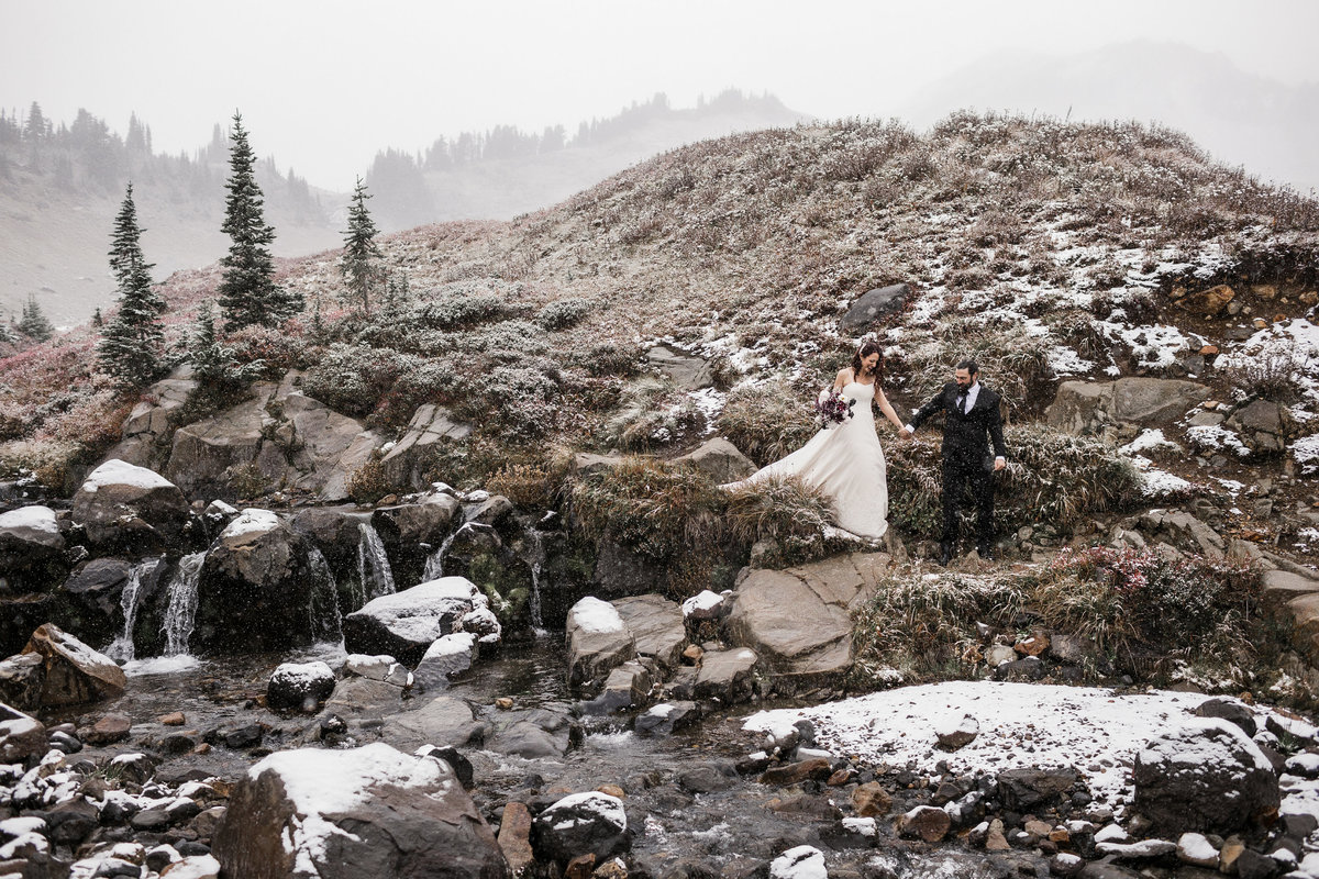 Mount-Rainier-Adventure-Elopement-75