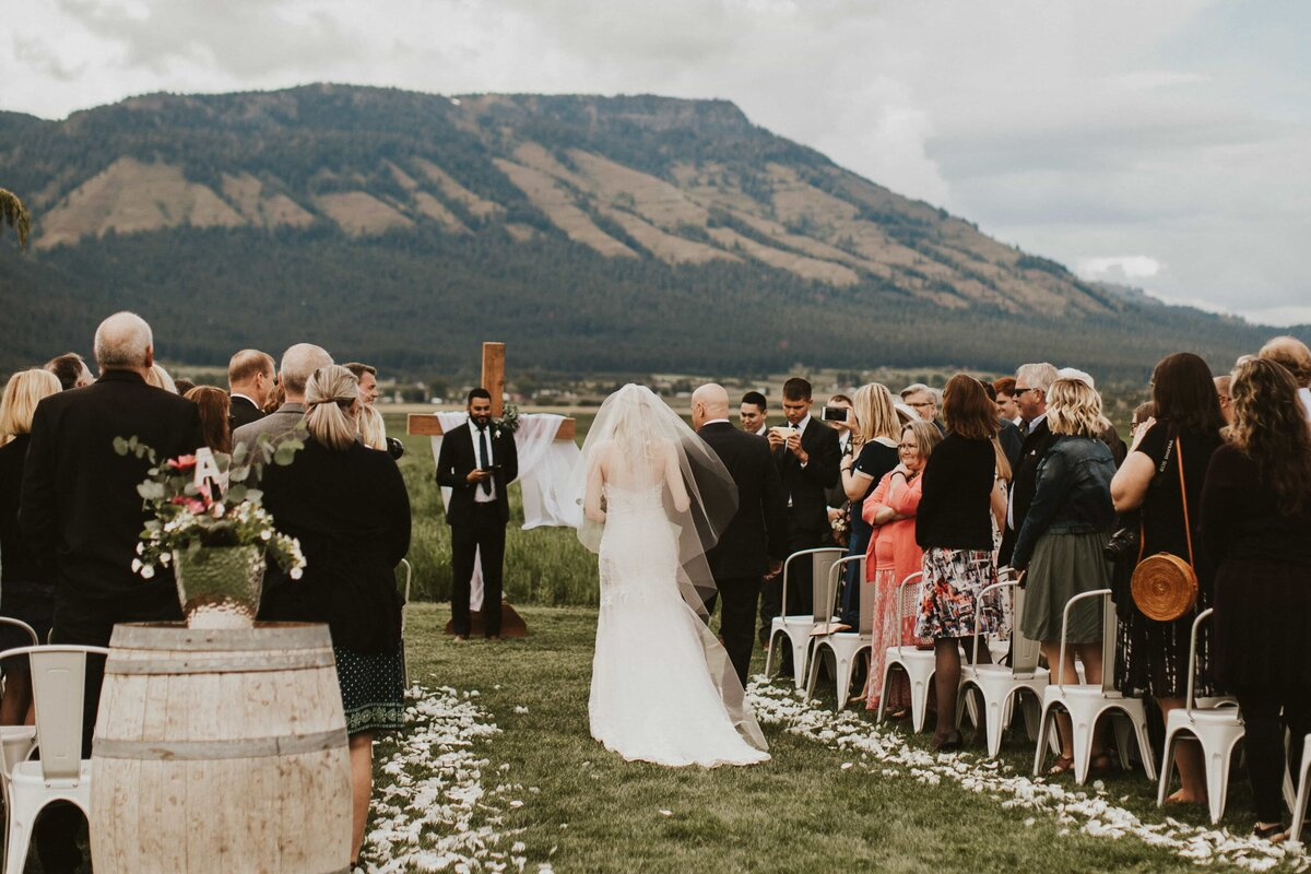 White-Barn-Estate-Romantic-Oregon-Wedding-521