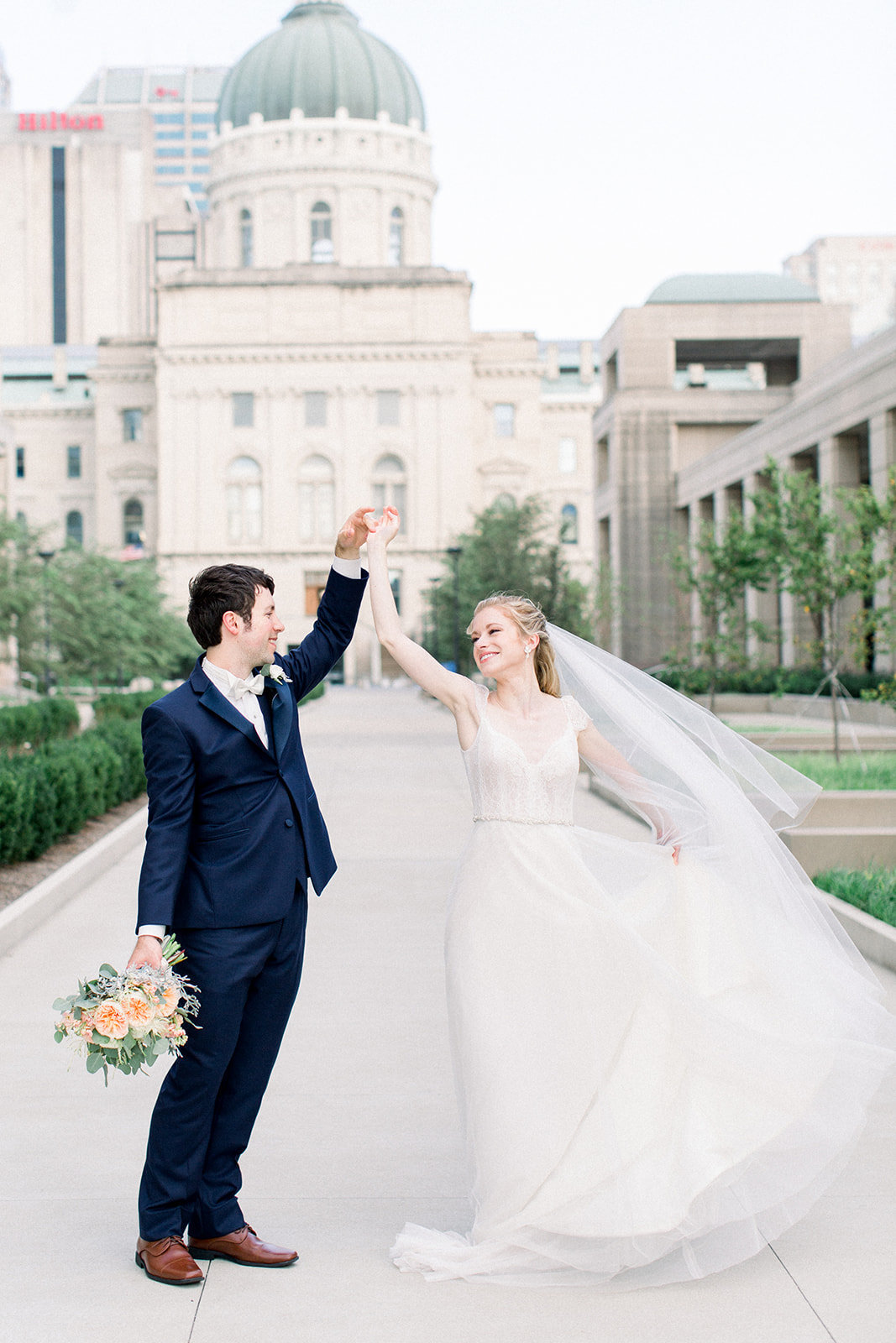 Lisa+Chris-indianapolis-wedding-jenn-plumlee-photography24