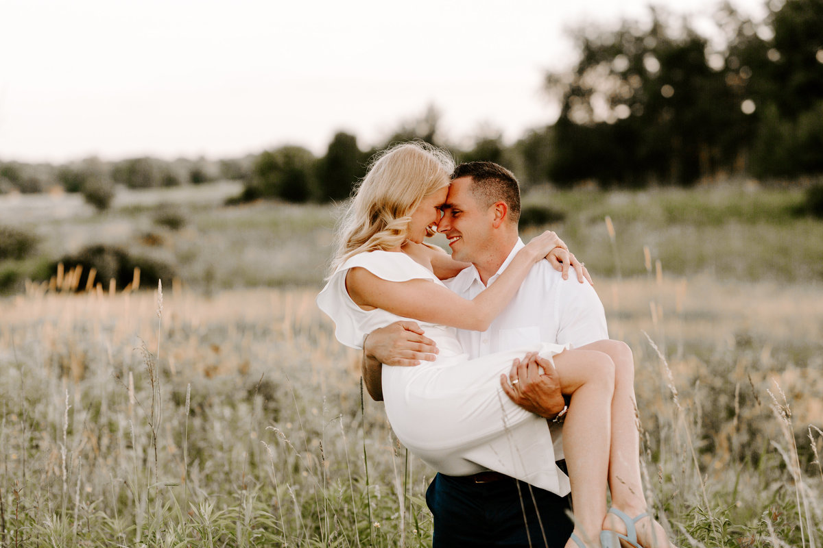Youngstown_ OH - engagement session - Sammantha _ Ronnie - candacelynn photography-4