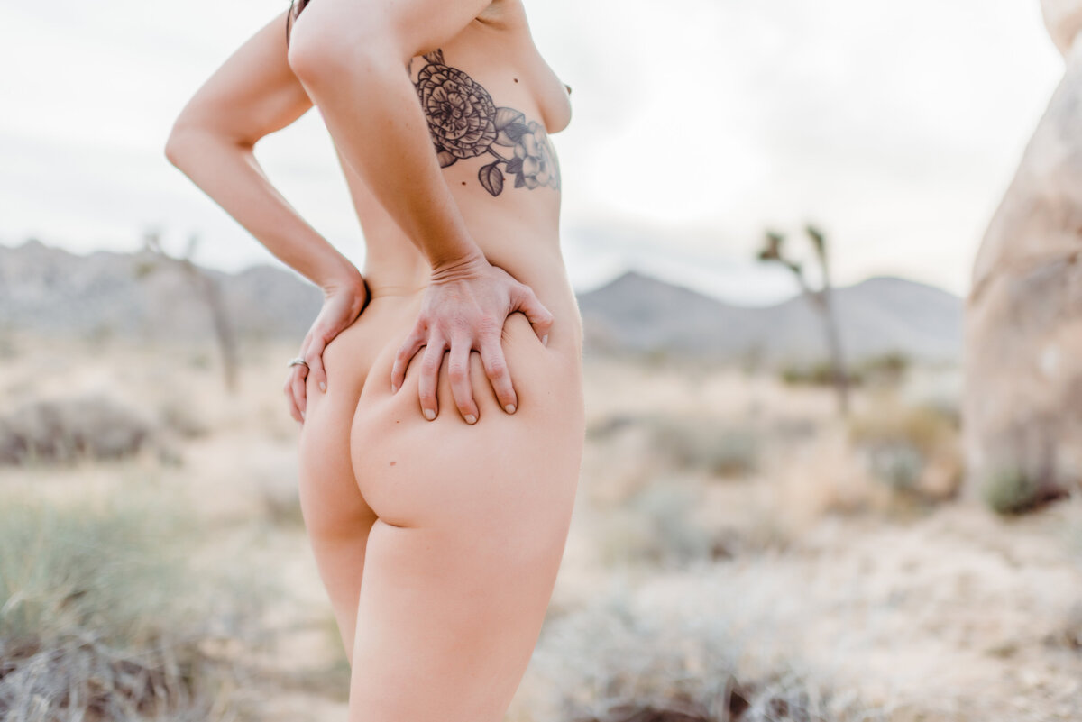 Joshua Tree Nude Boudoir - Randy and Ashley Studios - LB-106