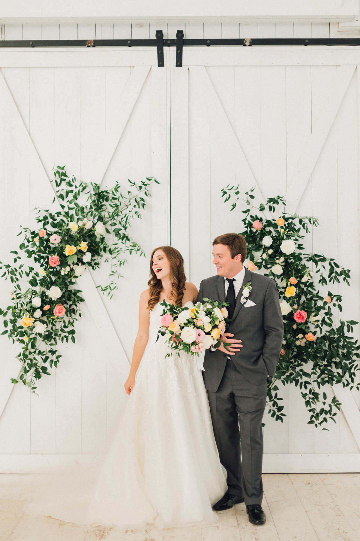 Modern Dallas Wedding Florist | Jubilee Flower Co. - The White Sparrow Colorful Outdoor Wedding