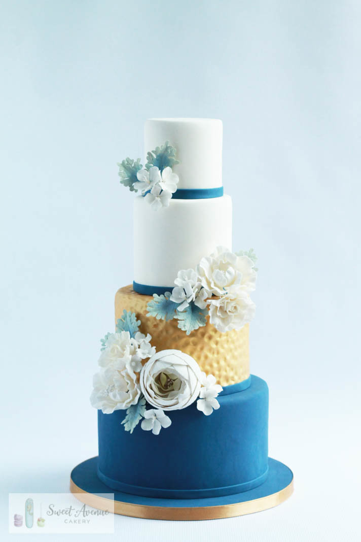 white gold and navy blue wedding cake with sugar flowers, Hamilton ON wedding cakes