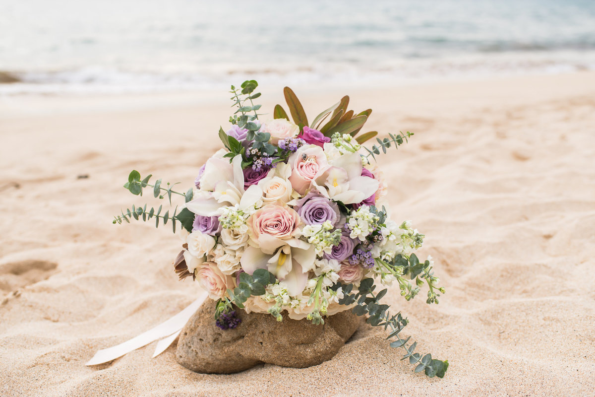 Maui Wedding bouquet photo