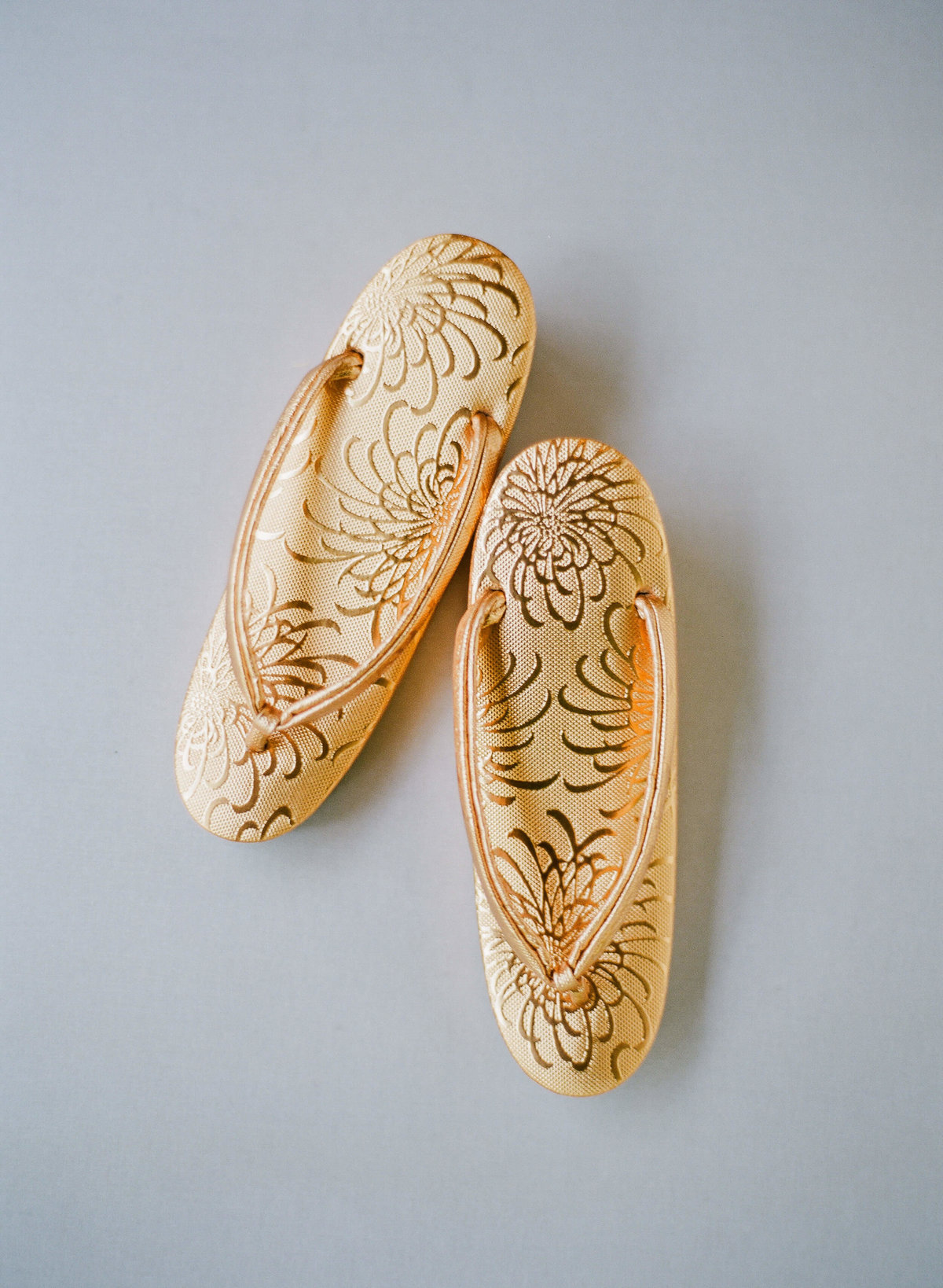 7-KTMerry-weddings-japanese-slippers