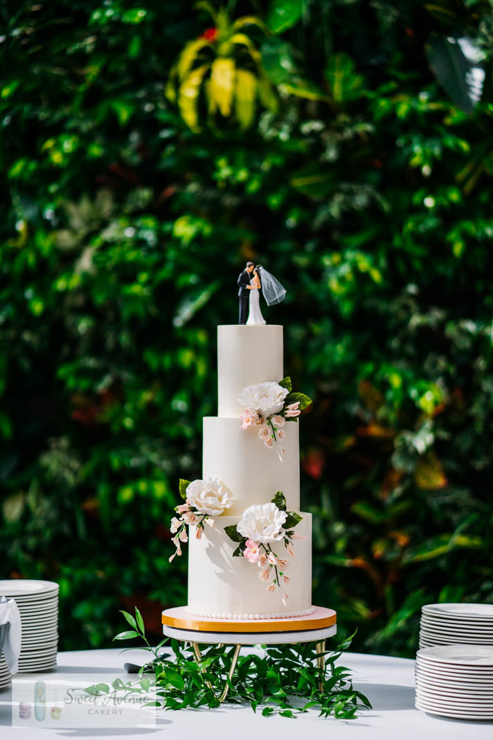floral wedding cake at RBG in Burlington ON