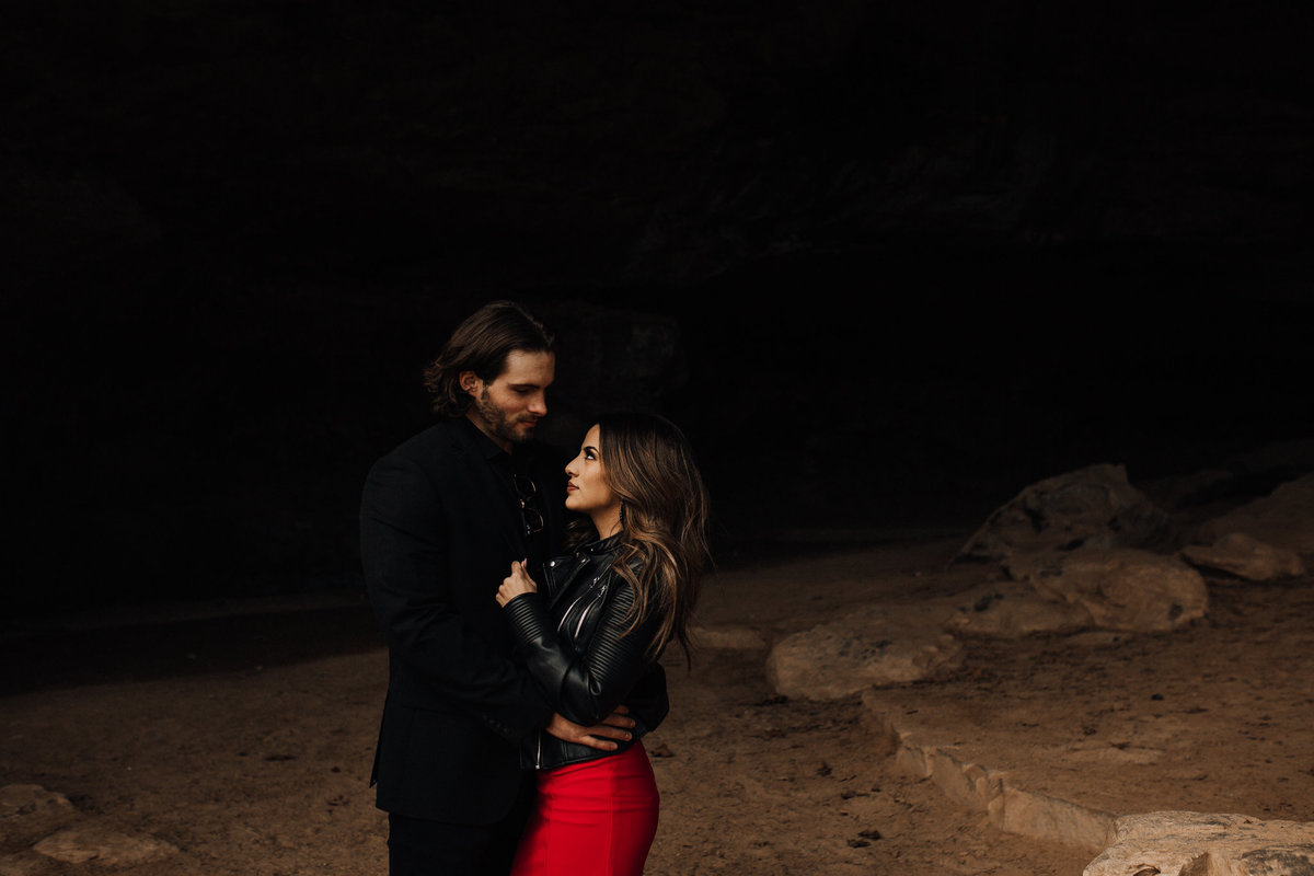 fernanda-and-great-petit-jean-state-park-arkansas-adventerous-couples-engagement-session-17