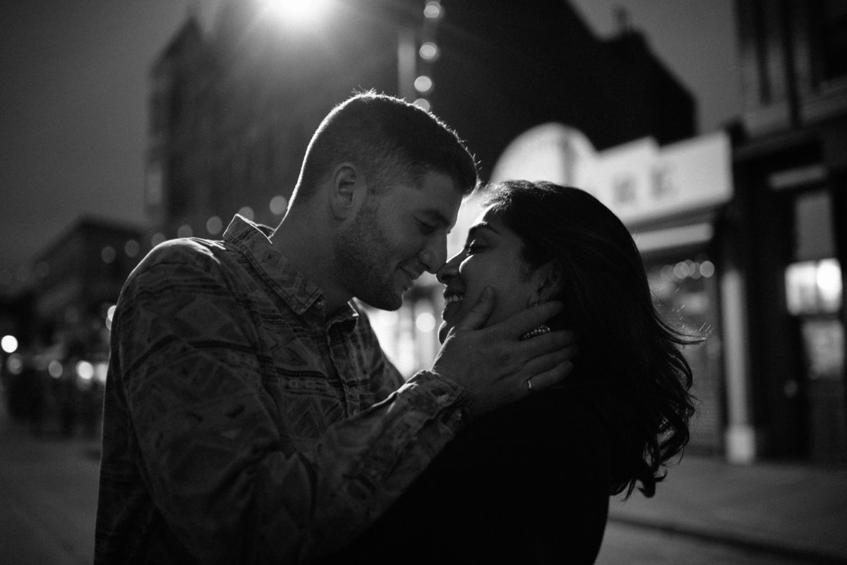 jersey-city-wedding-photographer-downtown-engagement-00020