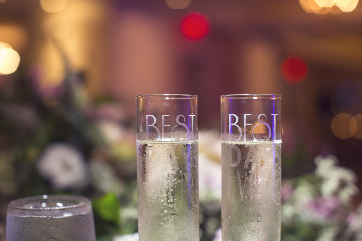 champagne glasses for wedding toast