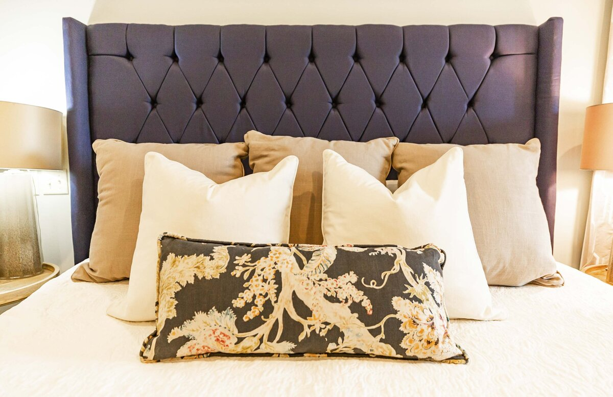 dark-fabric-headboard-bedroom-ideas3