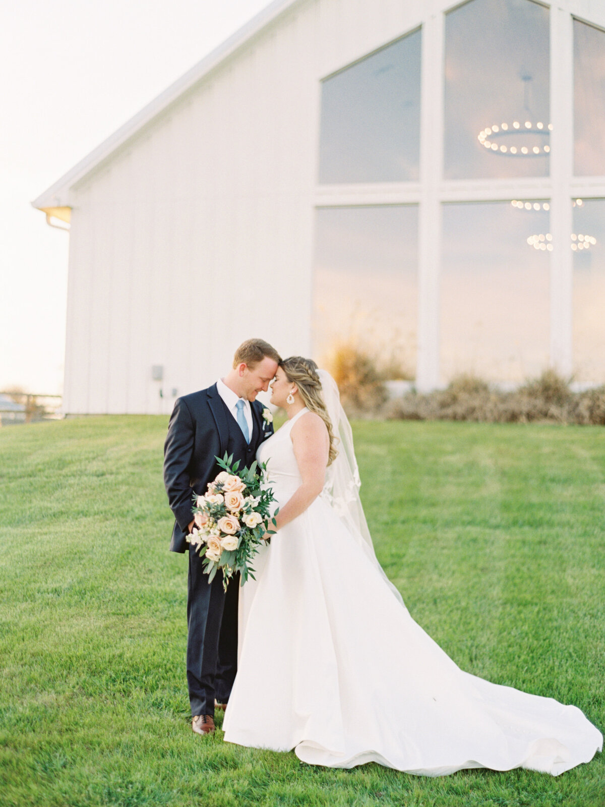 the-farmhouse-wedding-houston-texas-wedding-photographer-mackenzie-reiter-photography-77