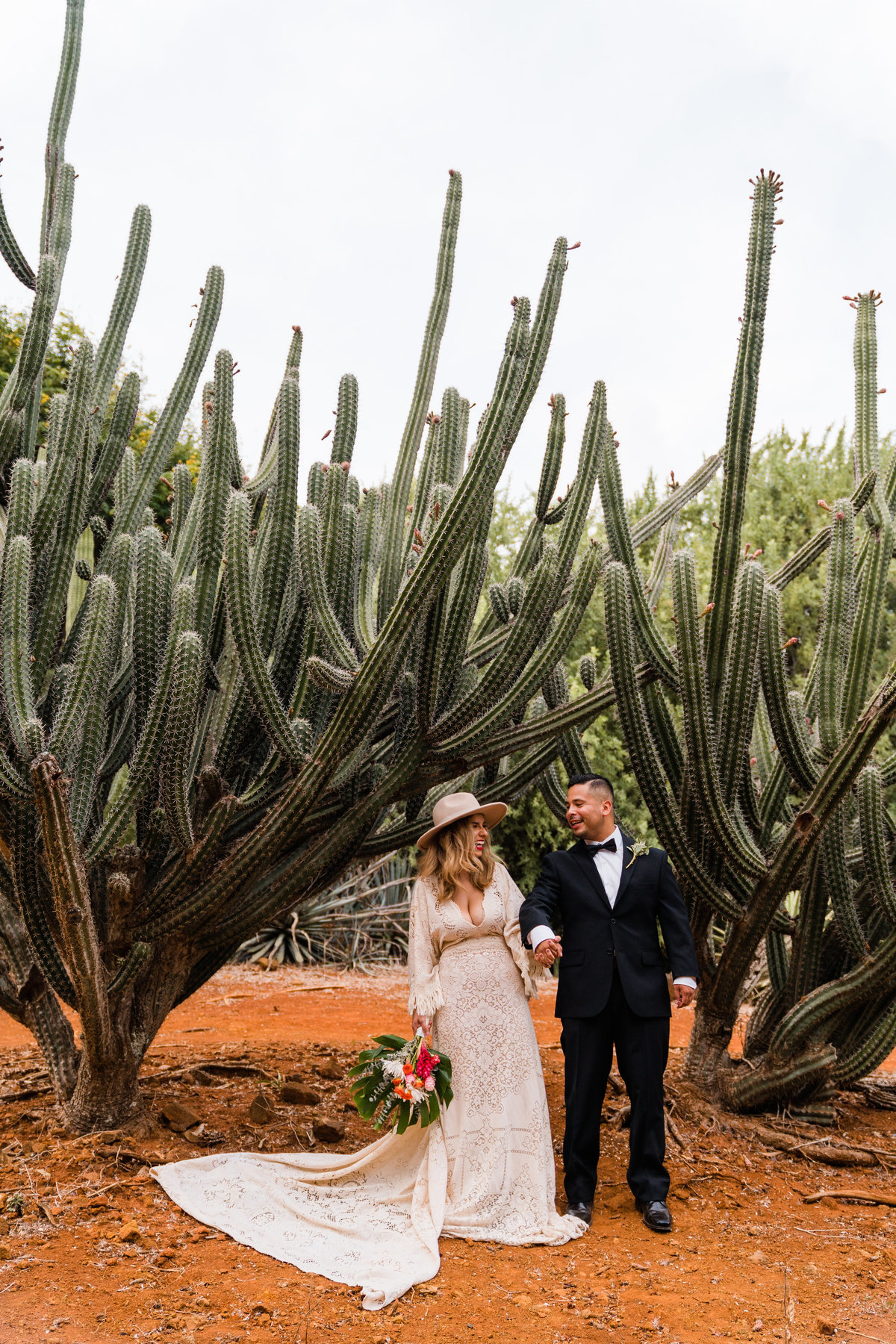 cactus-botanical-garden-hawaii-elopement-sydney-and-ryan-photography-51