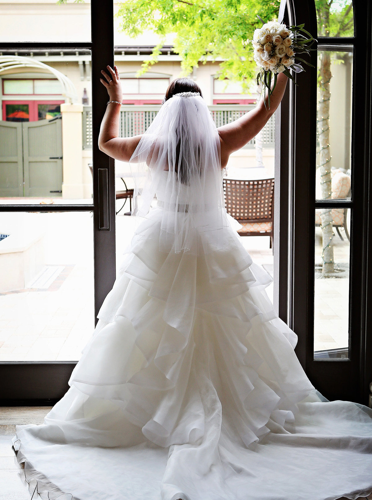 bride-in-doorway