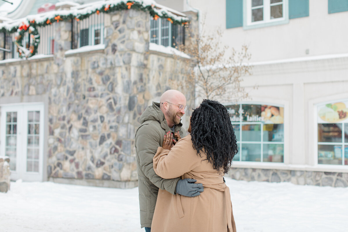 tremblant-winter-mountainside-engagement-session-grey-loft-studio-tremblant-village-8