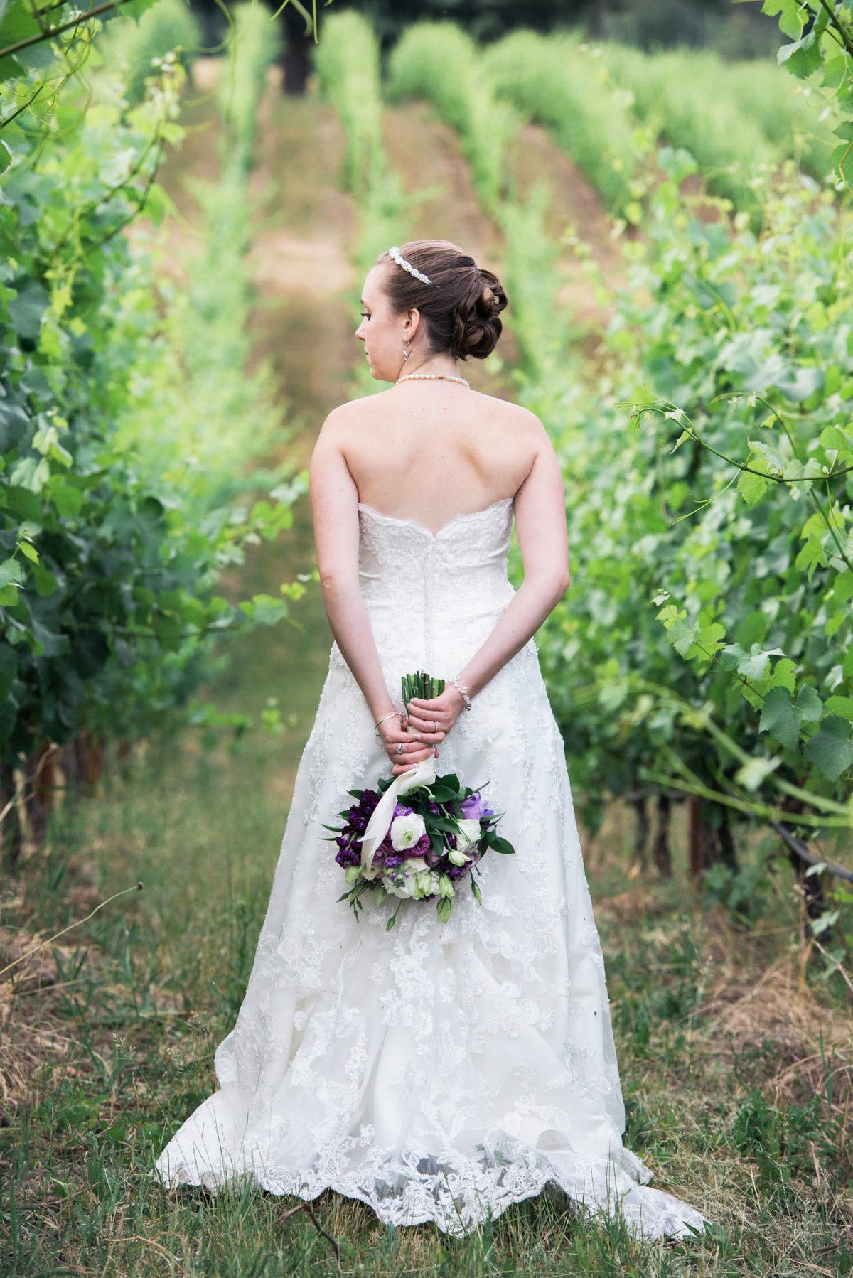 zenith vineyard in eugene bridal photo-124